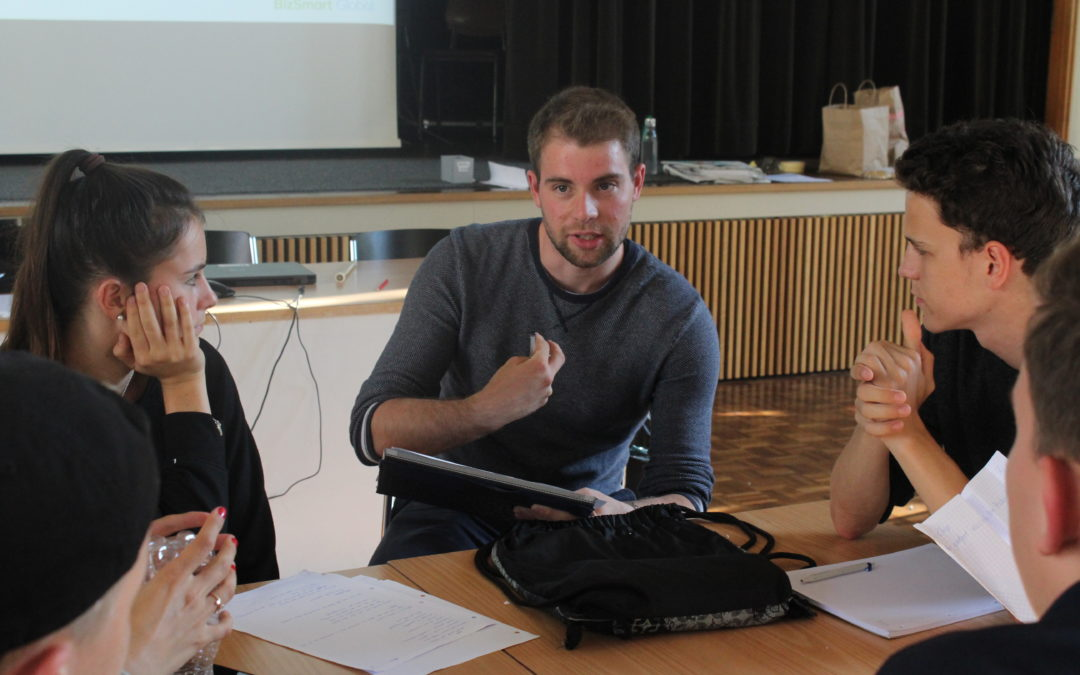 Coaching Junior Entrepreneurship with BizSmart
